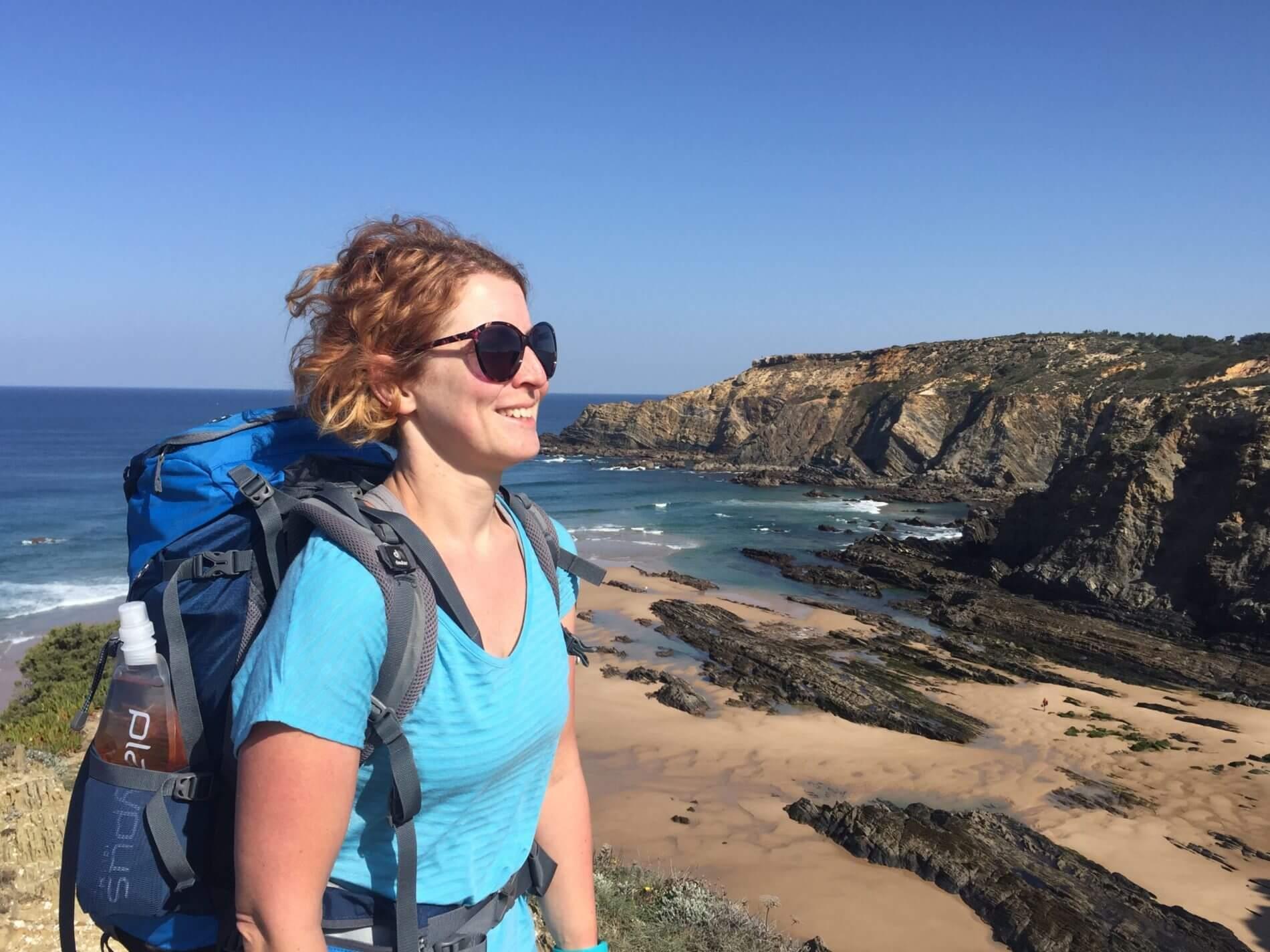 Rota Vicentina_Fishermen's Trail_Andrea mit Rucksack