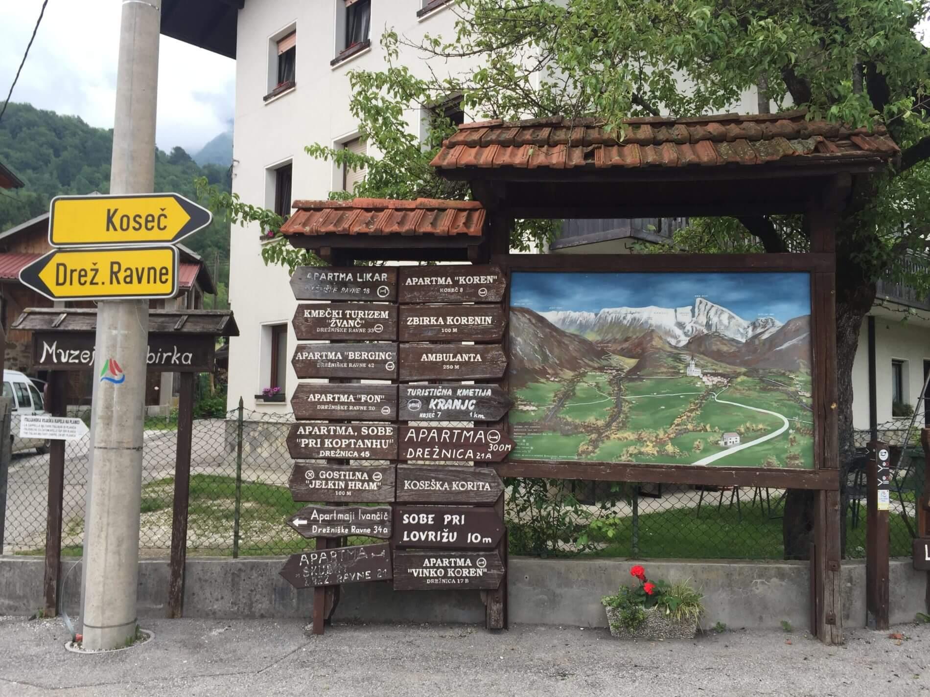 AAT_Alpe-Adria-Trail_Dreznica_Schilder_Übernachtung