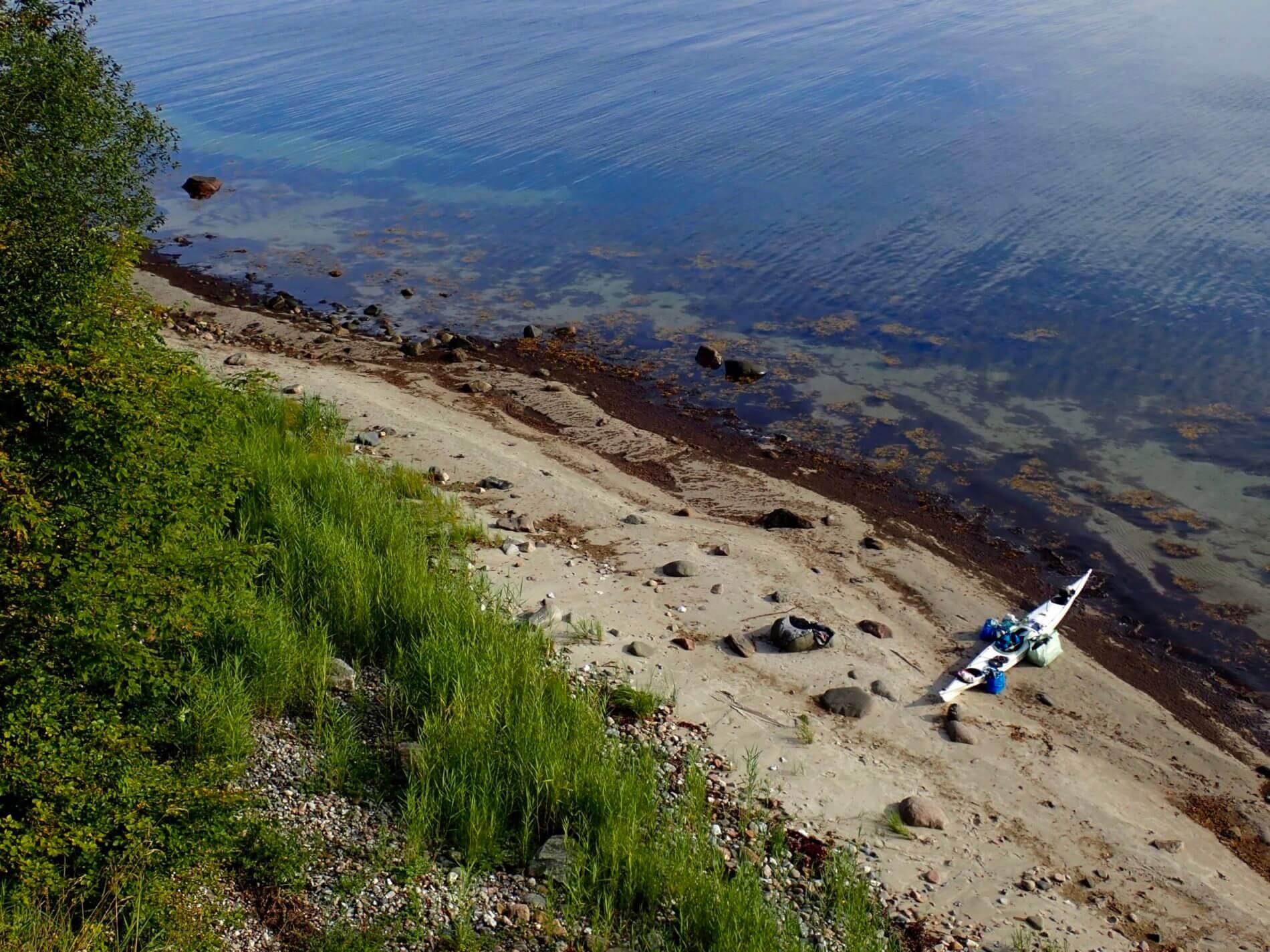 Mit dem Kajak um Alsen_Anlanden an der Steilküste